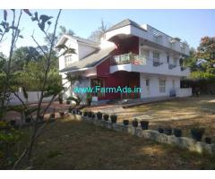 4 bhk bunglow for sale in madikeri in 20 Cents land.