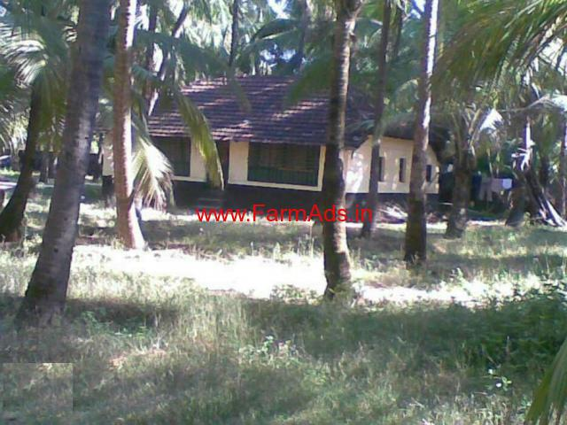 26 Cents beach side land with tiled house in Bengar Road