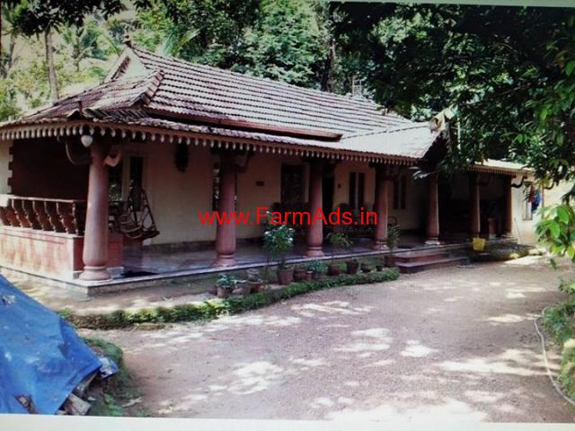 10 year old heritage type 3 bedroom villa for saleat Perumbvoor