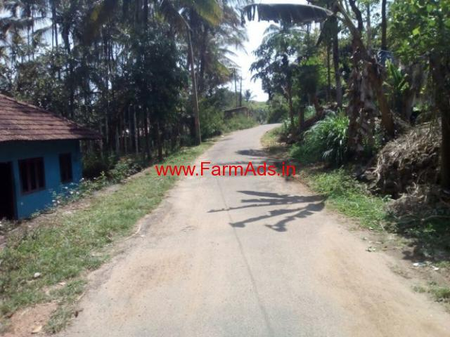 1 Acre agricultural land with tiled house for sale. 7km from Meenagadi.